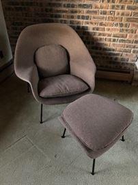 Eero Saarinen Womb Chair & Ottoman by Knoll