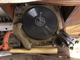 Markel 74 Turntable Record Player