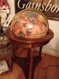 Floor Globe on stand - lights up