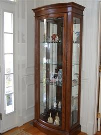 Thomasville lighted curio cabinet