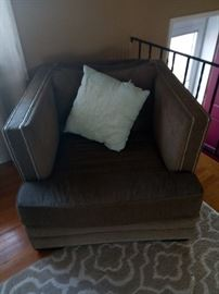 Oversized traditional armchair