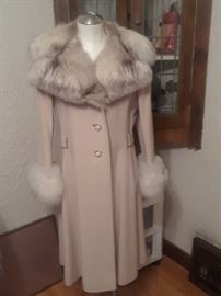 CASHMERE COAT w Fur Trim