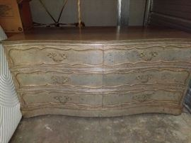 6 Drawer Dresser  http://www.ctonlineauctions.com/detail.asp?id=663800