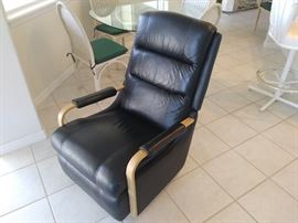 La-Z_Boy Recliner  - Black Leather