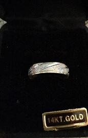 14K white and yellow gold ring with Illustra finish