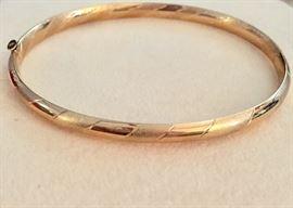 Eterna Gold 14K gold bangle bracelet