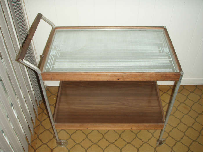 Retro heated serving cart