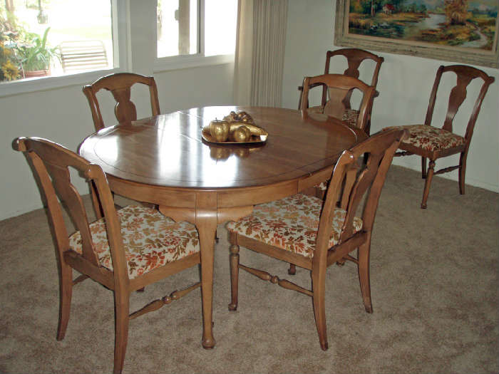 R&E Gordon Furniture Co dining set with two extra leaves and protective covers