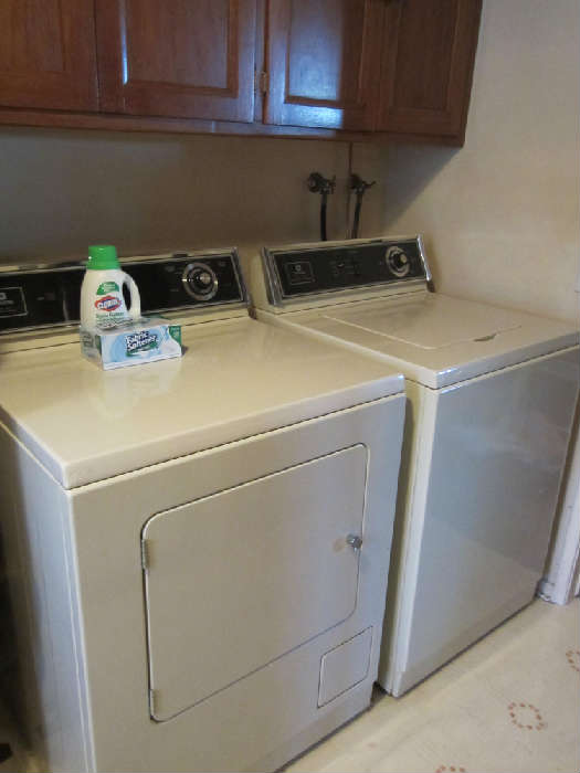 Maytag washer and gas dryer  matched set