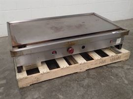 Wolf 48in Natural Gas Habachi Flat Top