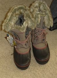 New with tags Khombu waterproof boots - women's size 8