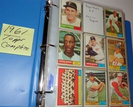 1961 TOPPS BASEBALL CARDS, COMPLETE, NO HIGH CARDS