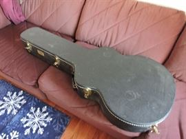 Takamine 12 string acoustic guitarcase