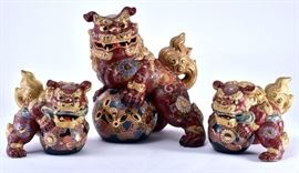 Lot 9: 	3 Japanese Kutani Gilt Guardian Foo Dogs