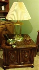 mid-century end table and lamp     (BASEMENT)