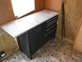 Nice tool drawered cabinet in shed which will be open days of the sale.