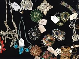 Beautiful vintage jewelry including Weiss