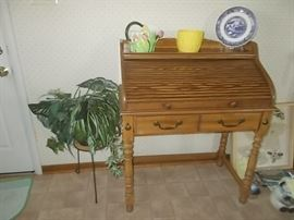 8small rolltop desk