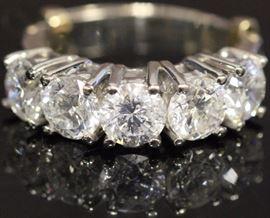 9055 - LADYS FIVE STONE DIAMOND 14KT RING, 4.39 CTS.