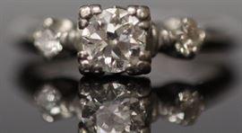 9061 - LADY'S DIAMOND PLATINUM ENGAGEMENT RING