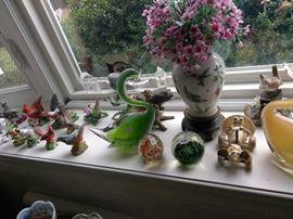 Fine porcelain bird figurines. Murano blown glass