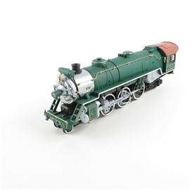 "Aristo-Craft 1:29 Scale ""Pacific 4-6-2 Steam Locomotive"": An Aristo-Craft 1:29 scale Pacific 4-6-2 Steam Locomotive model train. The train was manufactured by Polk's Model Craft Hobbie, Inc. It includes its original packaging and an instruction manual."