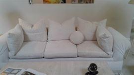 Lovely Kreiss Sofa