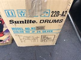 New Drum Kit Never out of box and ready for Holiday Gift!