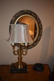 DImmable lamp and gold mirror
