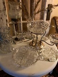 OMG......Look at this vintage Sterling Silver footed crystal stand.