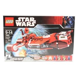 "Lego ""Star Wars"" 7665: A Lego Star Wars building kit. This kit is number 7665 and is titled Republic Cruiser."