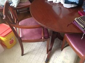 Duncan Phyfe Dining Table / Chairs (6) $ 320.00