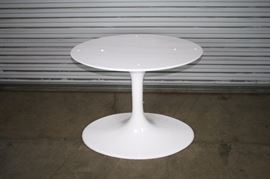 TULIP OVAL BASE AND TULIP TABLE TOPS AVAILABLE!!
