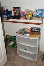 Games & art supplies