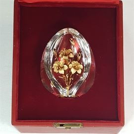 Crystal Stuben Egg With Enameld 18k Gold Lilies Original Box B