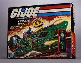 Offered is a G.I. Joe figure set. The box is creased and damaged but the toys are intact. Please see the photos at completeset.com for details.