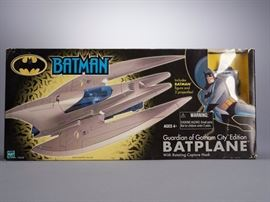 Offered is a Batplane figure, new in box with minor shelf wear. Please see the photos at completeset.com for details.