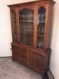 BASSETT FURNITURE CHERRY WOOD CHINA CABINET