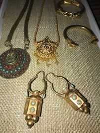 ETHNIC TRADITIONAL INDIAN JEWELRY