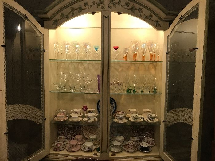 COLLECTION OF STEMWARE AND TEACUPS