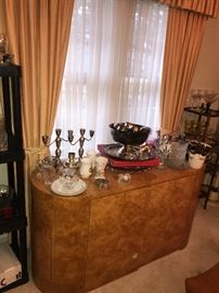 HOME DECORATIONS AND GLASSWARE