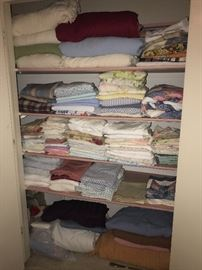 LINENS, BEDDING AND TOWELS