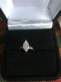 0.75CT MARQUISE DIAMOND RING