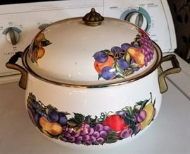 Enamelware Dutch Oven With Lid, Cornucopia Fruit Design Casserole Dish
