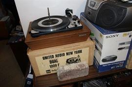 Vintage United Audio Turn Table