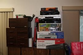 Electronics - many vintage items, many with original boxes
