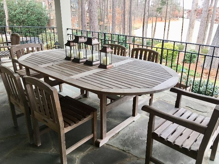 Frontgate table & chairs