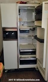 General Electric No Frost Side by Side Refrigerator