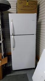 Great garage refrigerator. Immaculate.