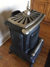 Authentic parlor stove - two pieces - very heavy